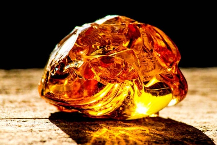 Baltic Amber stone for health benefits